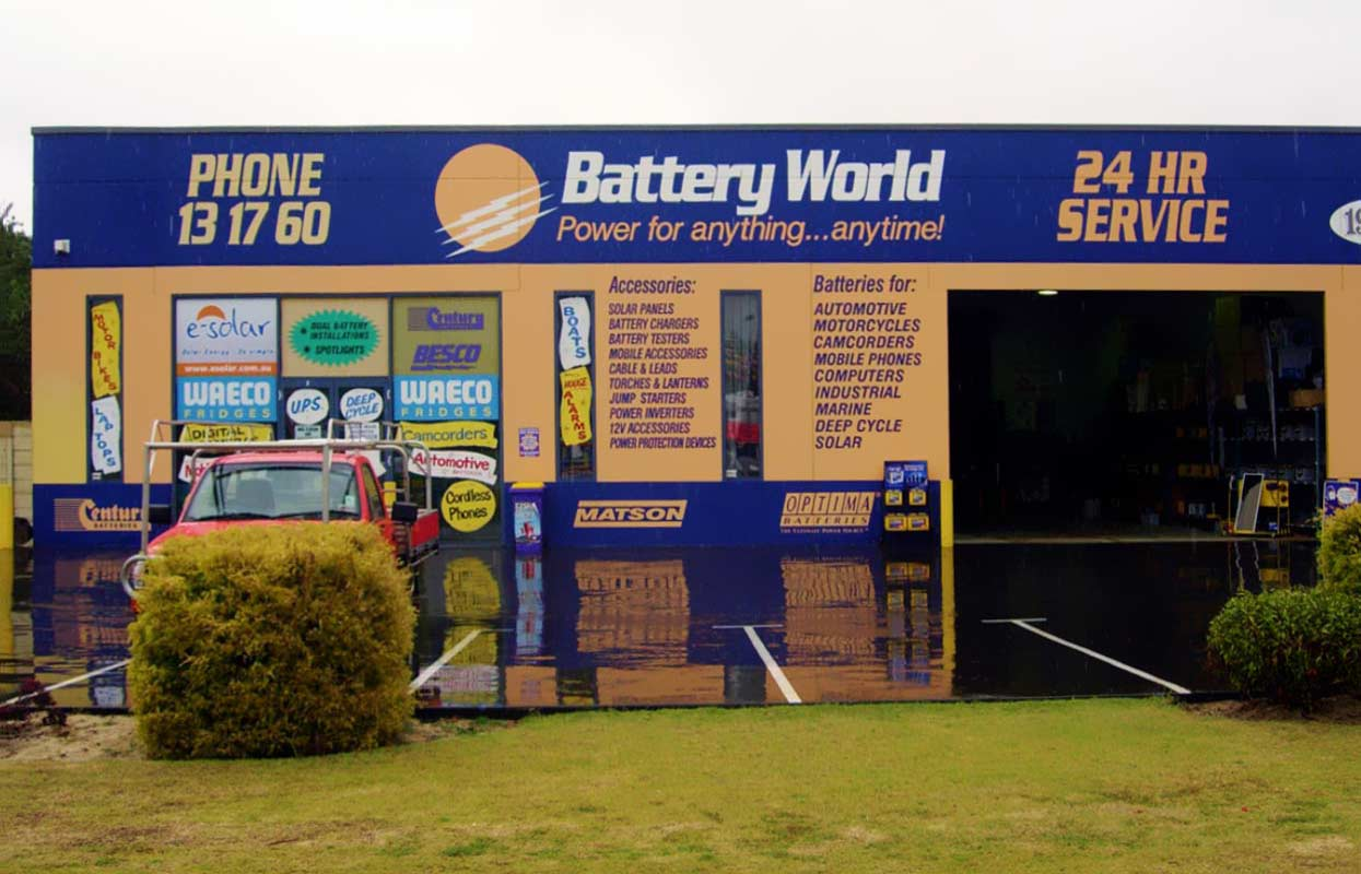 Commercial Building Facade Signage for Battery World