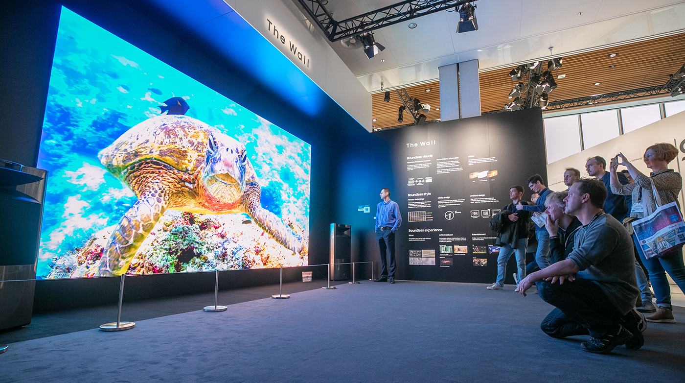 Samsung introduces their massive 292 inch digital signage solution in Amsterdam