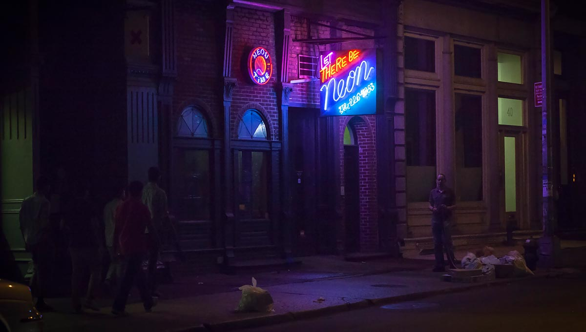 The Exciting Resurgence of Neon Signage